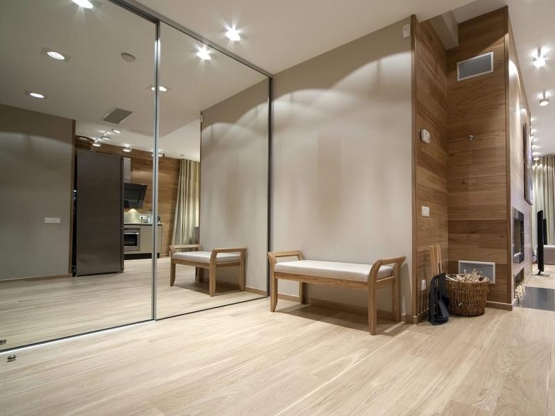 Зеркальная мебель для маленькой квартиры